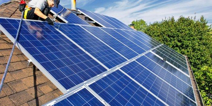 cuánto cuesta un panel solar